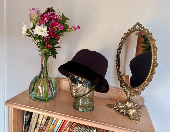Stunning 1980s faux fur bucket hat, 1980s immacula