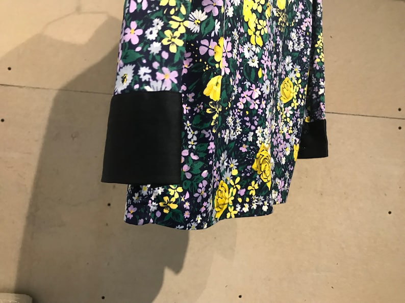 Dark Floral Button Up Collard Vintage Japanese Blouse