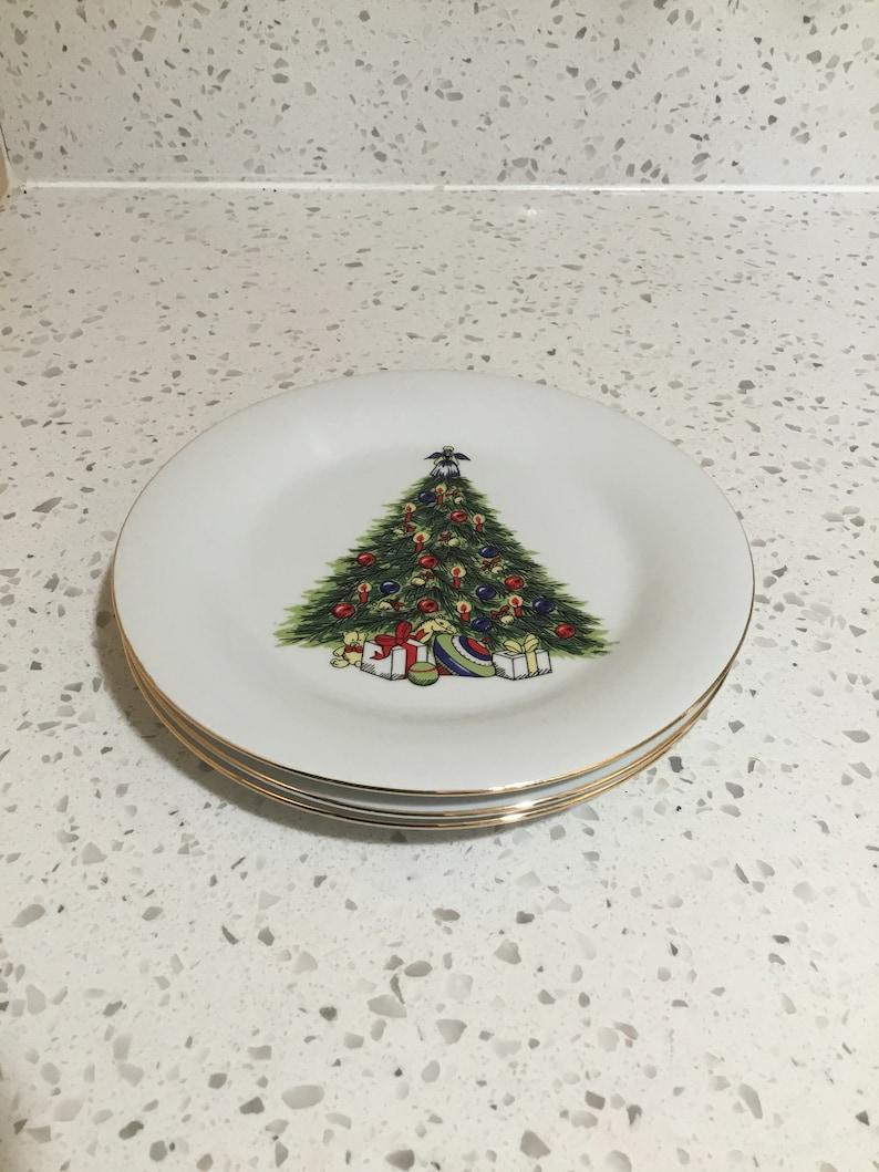 Christmas Plate Set.Vintage Christmas Plates Set Of Three