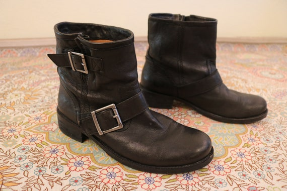 1990's Black Leather Pull On Grunge Ankle Boots