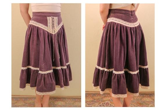 Velvet Purple Lavender Gunne Sax Style Lace Up Ren