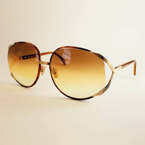 a1fff7d792 Christian Dior Non-Prescription Vintage Tortoiseshell   Gold Sunglasses  with Tinted Lenses  Ready-to-Wear