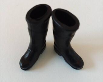 1:12 Dollhouse Miniature Rubber Rain Boots D150