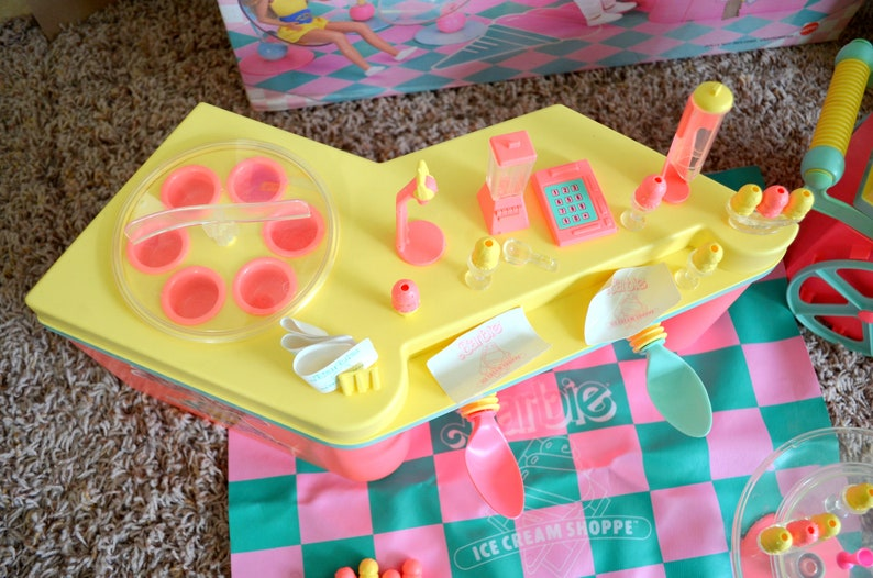 RARE Vintage 1987 Barbie Doll Pink Yellow Ice Cream Shoppe Shop and Cart Playset Coolest 80/'s Diner Mattel Original Box and Food Acessories