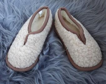 49c851e4a11a1 Sheeps Wool Slippers Winter Womens Sheepskin Blue/ Red   Etsy