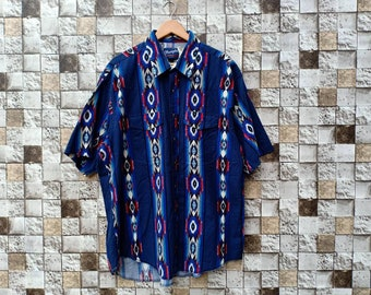 860326c214 Vintage 90s Wrangler Button Up Oxford Blue Abstract Colour Men s Clothing  Short Sleeve Wrangler vintage Blue Bell Western Shirts