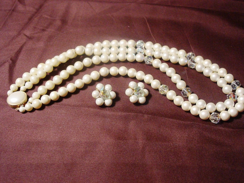GOLD TONE TWO STRAND NECKLACE WITH CLEAR RHINESTONES