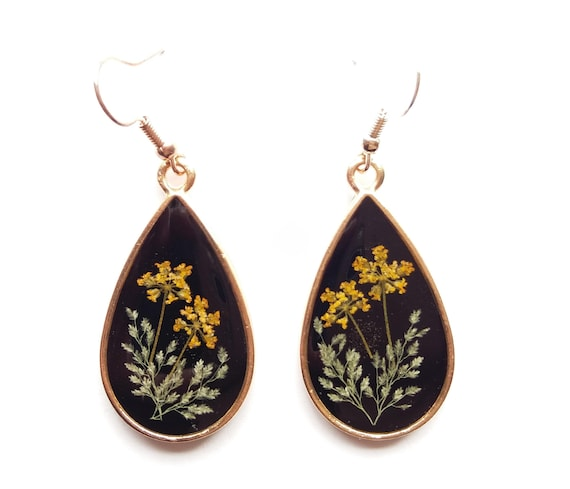 Pressed flower earrings