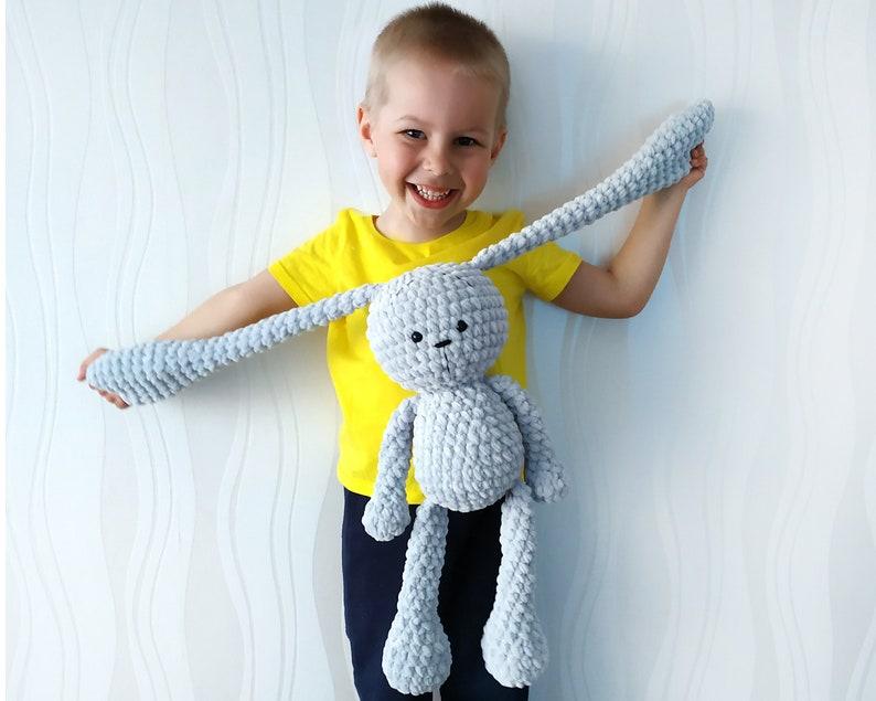 Lou, the big bunny amigurumi pattern - Amigurumipatterns.net   635x794
