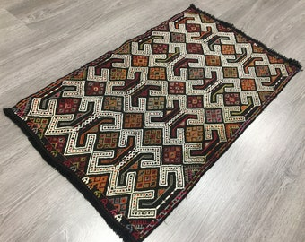 kilim rug vintage kilim rug anatolian kilim rug 5.7 x 8.9 ft rustic decor oushak kilim turkish area kilim rug oversize kilim rug Cod1699