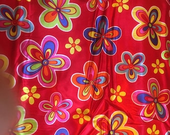 FLOWER POWER satin with large flowers