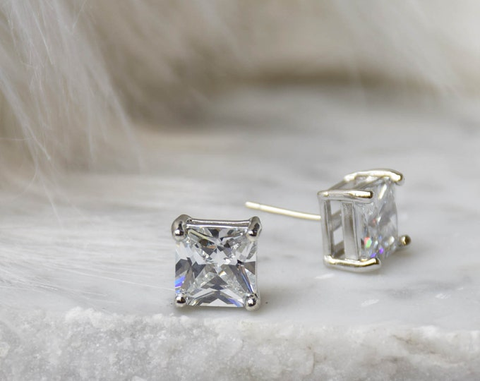 Brilliant Cut Earring - 9mm Handcrafted Diamond Princess Cut