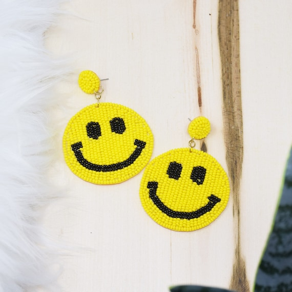 Beaded Smiley Earrings Pink / Round Post / Seed Beads / Statement Jewelry / Summer Vacation / Smiley Face Earrings / Gifts for Her
