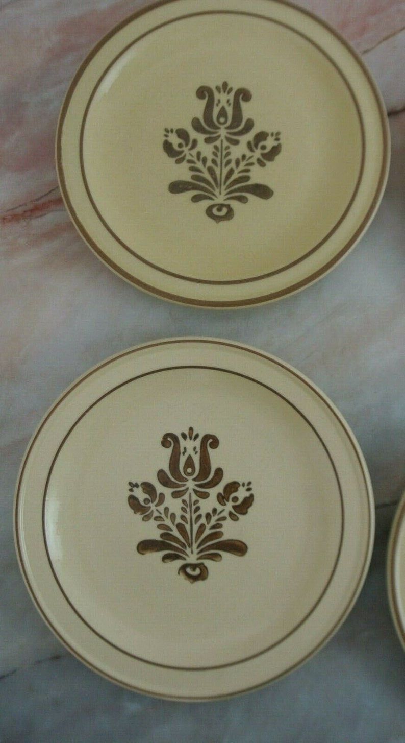 Set of 6 Pfaltzgraff USA Village Brown CreamYellow 7 Salad Plates Small Dining Plates Stoneware Plates Pfaltzgraff Collection