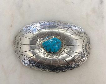 6f4a9e141c9 Boucle de ceinture large avec Turquoise     boucle de ceinture ovale en  argent Sterling avec bord festonné et Navajo main estampillé design