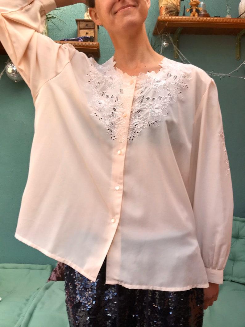 Cream peach vintage blouse  Embroidered vintage blouse  Size M-L  Size U.K 14-16  statement collar blouse  Romantic style blouse