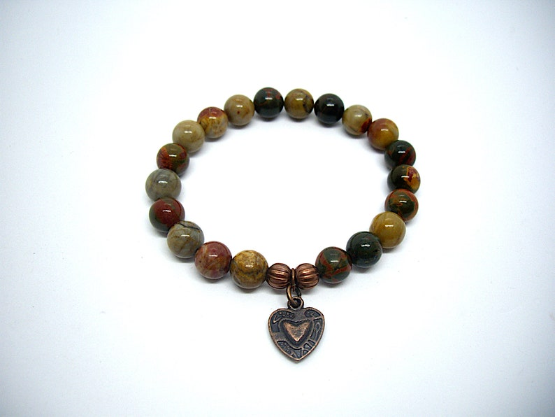 Natural stone bracelet with heart
