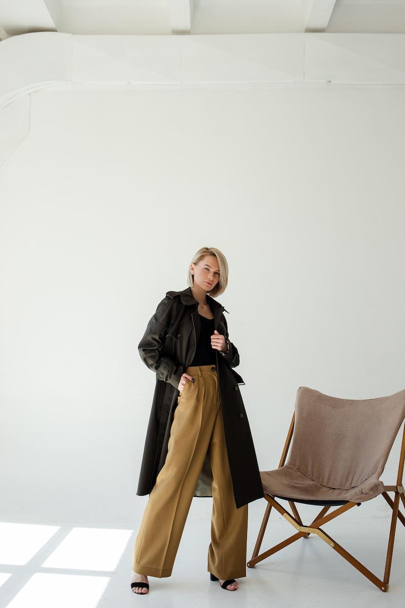Women trench coat in black