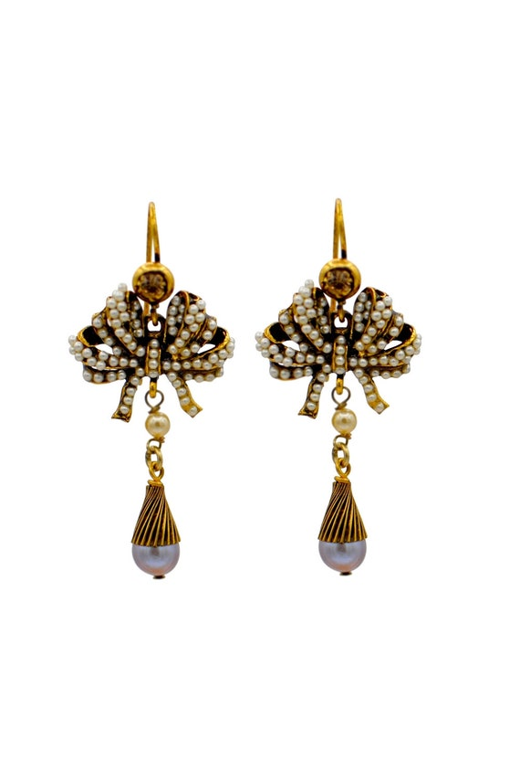 Art Nouveau-style vintage pearl earrings
