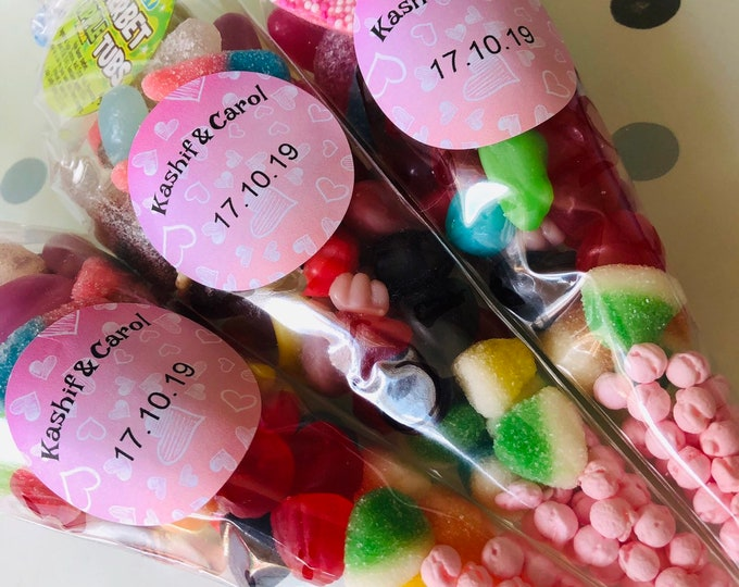 Halal Wedding favours - Sweet Cones - Personalised gifts - Just married - Love is sweet - Party sweets - Handmade sweet bags.