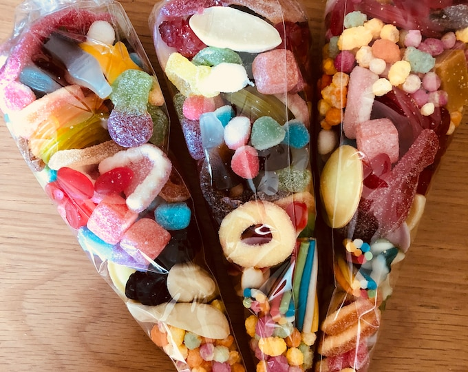Pre filled Halal Pick N Mix Sweet Cones, party bags. 200g each. Sweet  candy mix up. Party favours. Thank you for coming to my party.