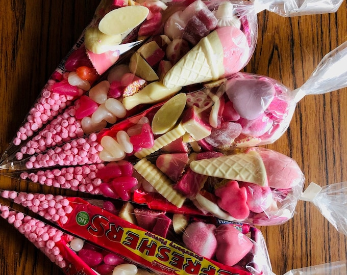 Gender reveal - Baby Girl, Baby shower - Sweet Cones. Blue sweets - Pink sweets.  it's a Baby Girl - Hen party gifts - party favours.