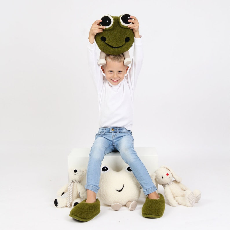 Great decoration for kids room Green frog Children/'s bed accessory Perfect gift for kids birthday Handmade Merino wool friend for kids
