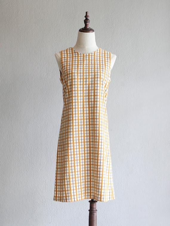 mod grid shift dress / s m