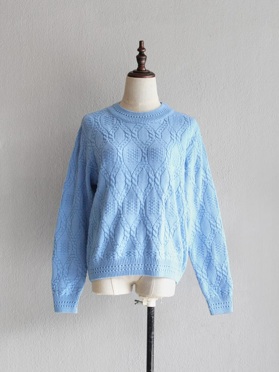 baby blue knit sweater / m