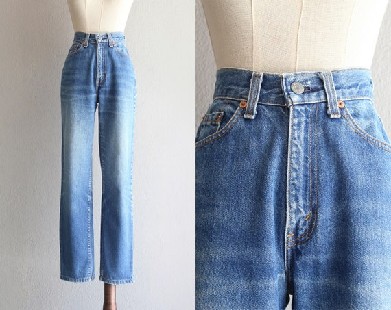 Levi's mom jeans / 25""