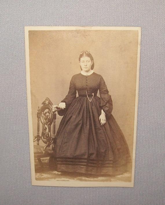 Old Antique Vtg 1860s Young Woman CDV Photograph Civil War Era Front Standing