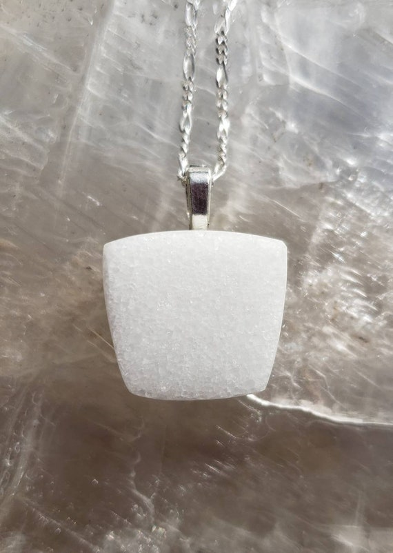 White Marble off-Square