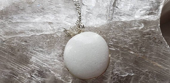 Marble Full Moon
