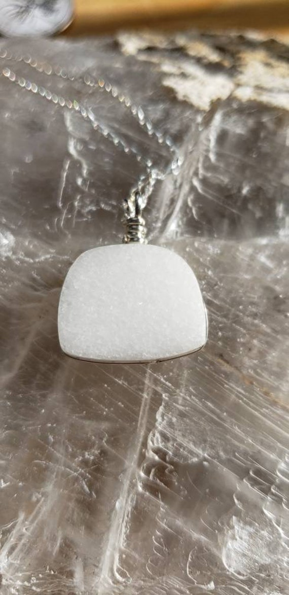 White Marble rounded square