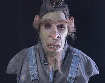 The Mole Rat Miner