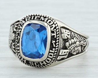 a64125eb591 Mariemont High School Class Ring - 10k Gold Size 5.75 Synthetic Blue Spinel  1976