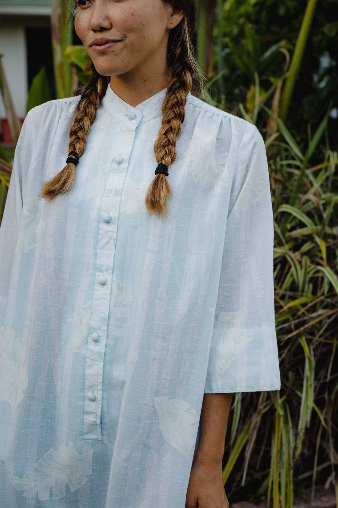 Lovely vintage long tunic dress with a high mandarin collar