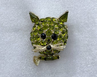 Cat Brooch, Cat Lover Gift, Sustainable Fashion, Christmas, Vintage Jewelry