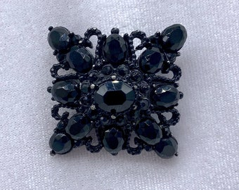 1940s Brooch, Mourning Jewelry, Mothers Day Gift From Daugther