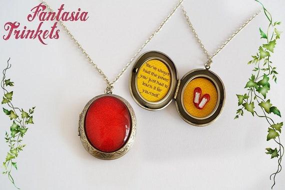 "Secret of NIMH Tiny /""Sparkly/"" Amulet Locket Pendant Necklace quote inside"
