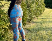 Heady blue leggings, USA red leggings, blue USA leggings, hippie USA leggings, boho blue leggings, boho hippie leggings, red tie dye legging