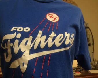 4dd140e8570 90s Foo Fighters T-Shirt size M Medium 1990s Dave Grohl Grunge Los Angeles  Dodgers Style Vintage Vtg