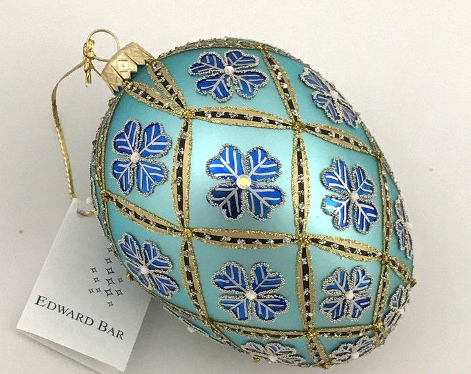 Blue egg, 4 Leaf Clover, glass Christmas ornament
