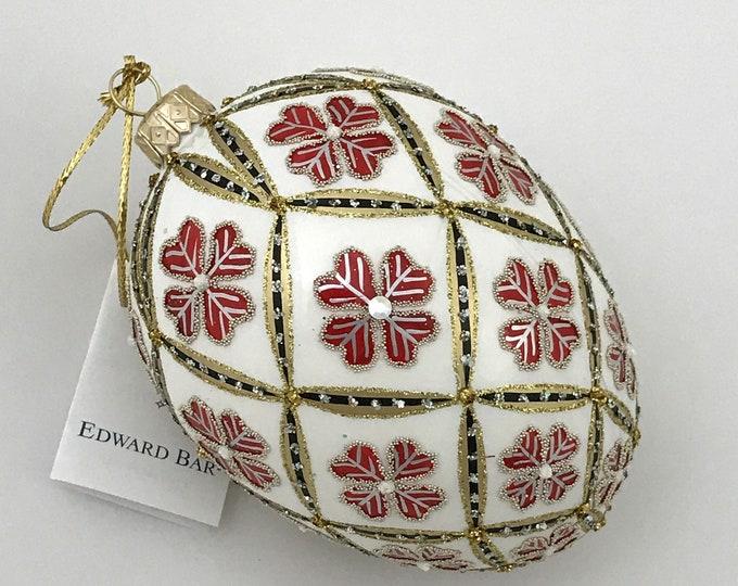 White Egg, 4 Leaf Clover, Glass Ornament