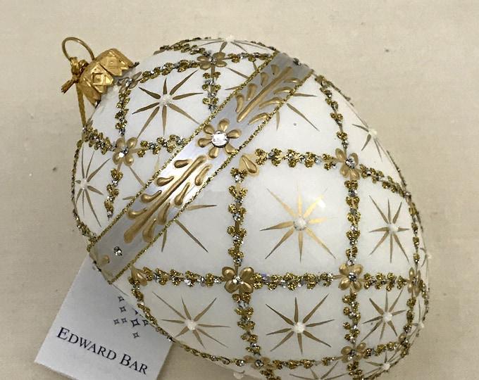 White Egg, Royal Carriage