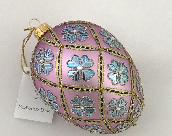Pastel Lilac Egg, 4 Leaf Clover, Easter Eggs Ornaments