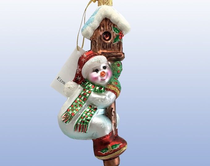 Snowman on a birdhouse, H 6 (in)