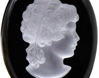 JUST ONE Flat Back, 30x23 Oval Raised Lady Cameo Facing Right Vintage 30x23mm Oval Glass Cameo Tortoise Western Germany A Top Qty 1
