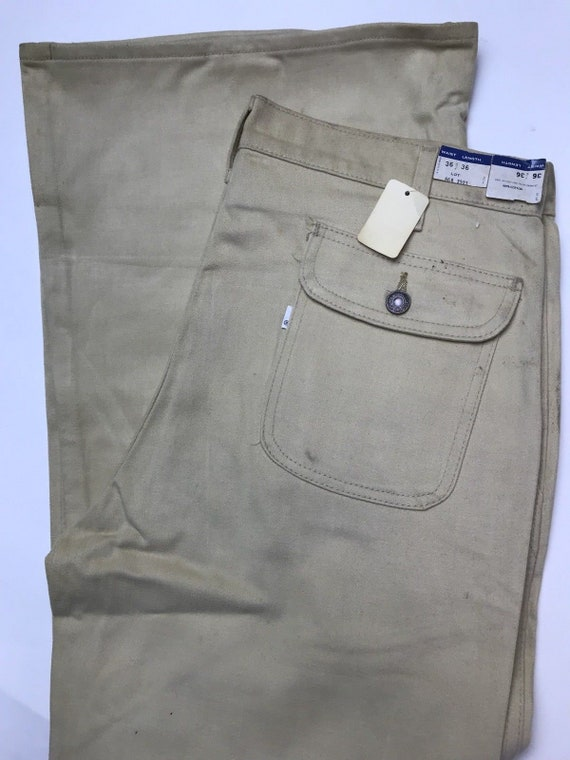 Vintage Beige Levis (13) Bell Bottom Pants/Jeans W