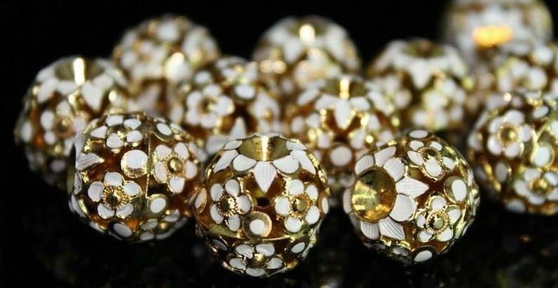 10 White /& Gold Lamp-work Flower Filigree Cloisonne Beads 15 mm Vintage
